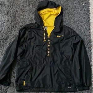 LIKE NEW Nike Livestrong Pullover
